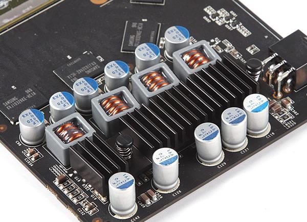 某aic产gts250 ,4颗大半封闭陶瓷电感组成4相供电
