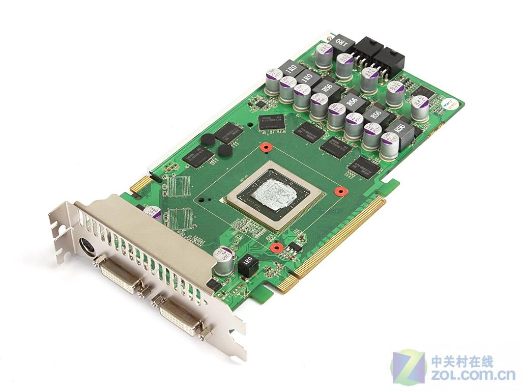 显卡配备的三星1NS GDDR3显存颗粒 铭鑫视界风UP98GT_MOD特别版显卡采纳的三星1NS GDDR3显存颗粒,6颗组成768MB/192BIT显存规格,显卡默认频率为700MHz/1700MHz/2000MHz,远远超出了GeForce 9800GT默认频率不少。  七相供电电路设计  七相供电电路设计 供电部分,铭鑫视界风UP98GT_MOD特别版这款显卡采纳了七相供电电路设计,其中核心4+1相,显存部分2相独立供电,使得显卡在高频工作环境下非常稳定。  超频三爱琴海散热系统   超频三爱琴